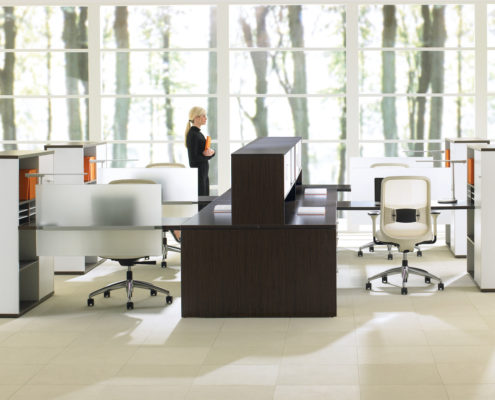Expansion Desking Spine Desk with Return and Supporting Tower